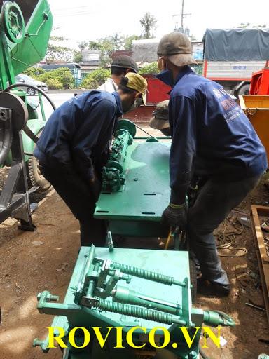 Nhập khẩu máy bẻ đai sắt xây dựng giá sỉ, giá rẻ